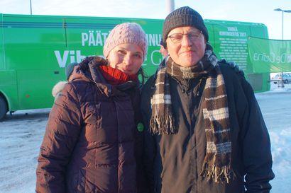 """Kansanedustaja Halmeenpää työnsi vihreiden kampanjaan vauhtia – """"Vaelluskalojen esteet pitäisi poistaa"""""""
