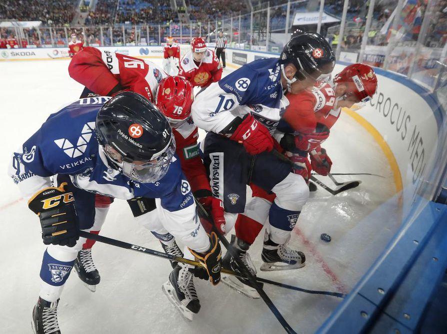 Suomalaisten kamppailu ei riittänyt Pietarin EHT-turnauksen Venäjä-pelissä sunnuntaina.