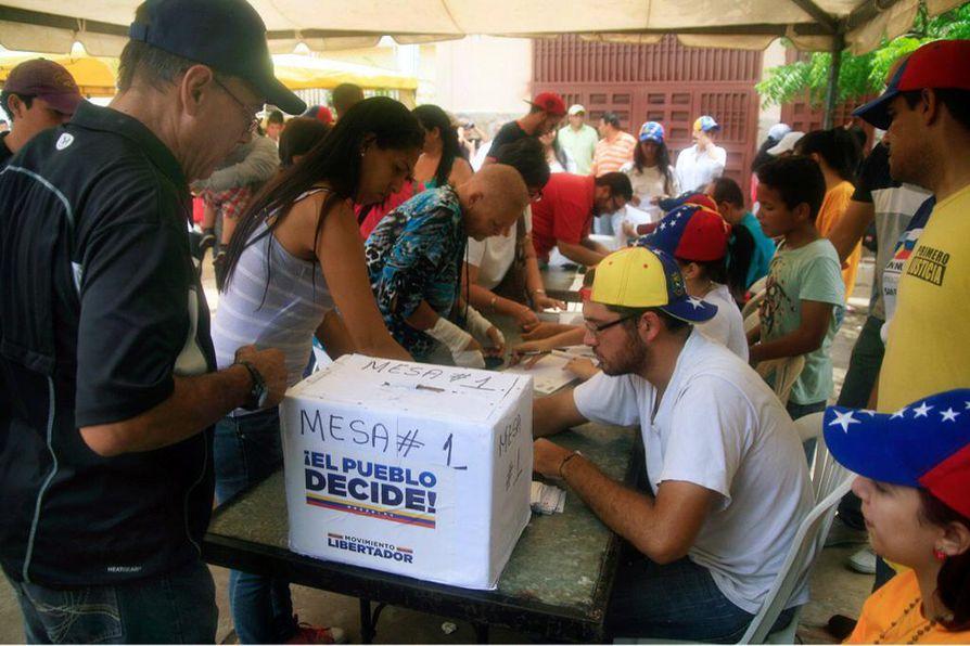 Venezuelan epävirallisessa kansanäänestyksessä annettiin vajaat 7,2 miljoonaa ääntä. Maassa on 19,5 miljoonaa äänioikeutettua.