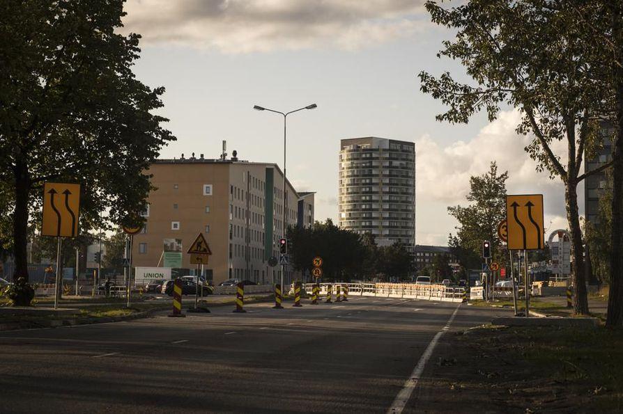Limingantien liikennejärjestelyt hidastavat liikennettä jonkin verran, mutta kaistoja ei ole otettu pois käytöstä.