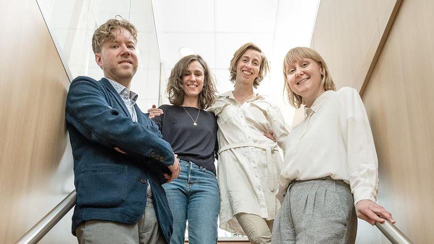 Metsurin tarinan käsikirjoittaja Mikko Myllylahti (vas.), tuomariston jäsenet Gaëlle Mareschi ja Mathilde Henrot sekä elokuvan tuottaja Emilia Haukka.