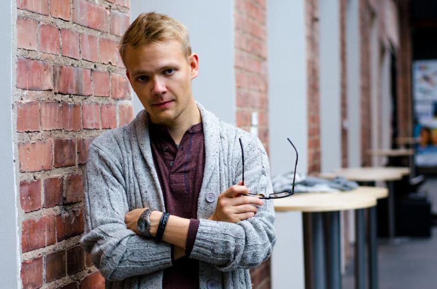 Teppo Säkkinen opiskelee Lapin yliopistossa johtamista.