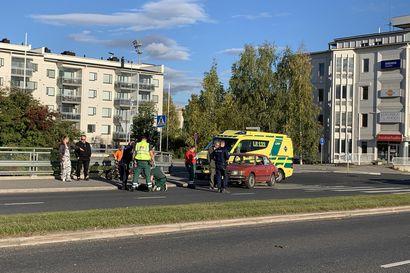 Auto töytäisi potkulaudalla liikkunutta lasta Rovaniemellä – Lapsi sai vammoja alavartaloon
