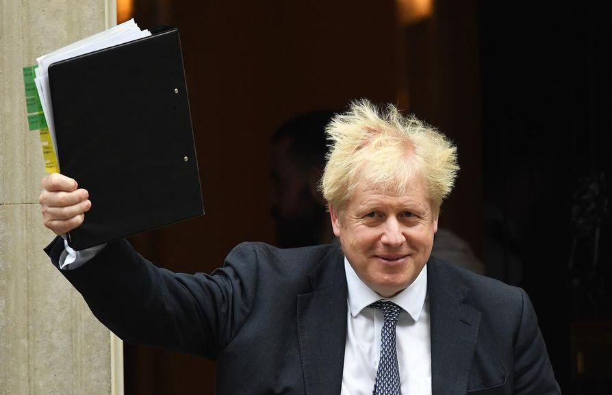 Britannian pääministeri Boris Johnson laittoi keskiviikkona lakipaketin käsittelyn tauolle. Nyt Britannia odottaa, hyväksyykö EU brexitin viivästämisen.