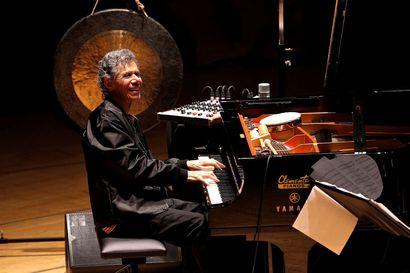 Legendaarinen jazzpianisti Chick Corea on kuollut