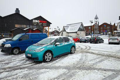 Ajokeli on Lapissa paikoin erittäin huono –viikonlopun aikana lunta voi sataa jopa 30 senttiä
