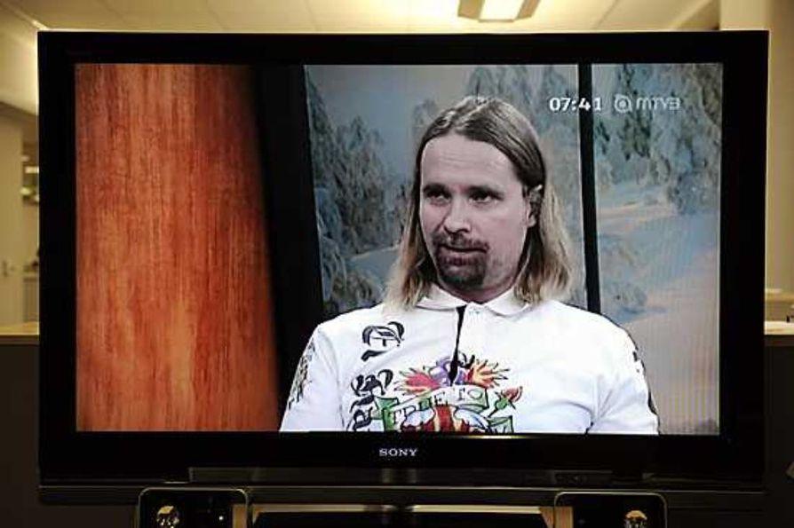 Suomen ensimmäinen julkisuuteen tullut avaruusturisti Vesa Heilala MTV3:n haastateltavana torstaiaamuna.