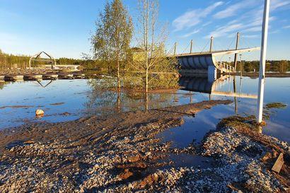 Lapin tulvatilanne on rauhoittumassa – ennustettua suuremmat sateet voivat pahentaa tilannetta