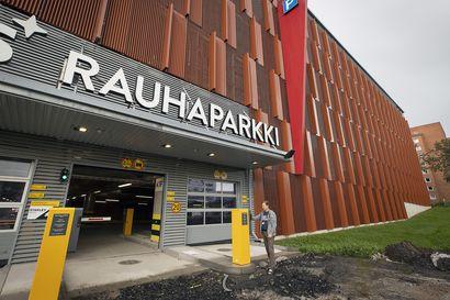 Syyskuun puolivälissä asiakkaille avattava Rauhaparkki tuplaa OYSin asiakaspysäköinnin – sairaala-alueelle on tulossa myöhemmin vielä lisää parkkitilaa