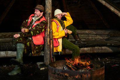 """Hirvimetsälle kuljetaan isän ja pojan kanssa Rovaniemen teatterissa syksyllä – Ohjaaja: """"Näihin maailmoihin palaaminen kihelmöi ja hirvittää kivalla tavalla"""""""