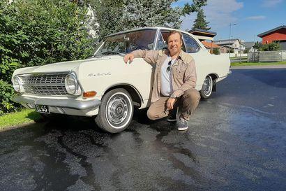 Opel Olympia jätti pikkupoikaan vahvan muistijäljen – 50 vuoden kuluttua oululainen Erkki Lähtevänoja päätti hankkia auton, joka on samanikäinen kuin hän itse