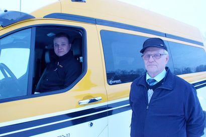 Matkan varrella on sattunut monenlaista – miljoonien kilometrien taksimies Pentti Aarni jätti ajot nuoremmille