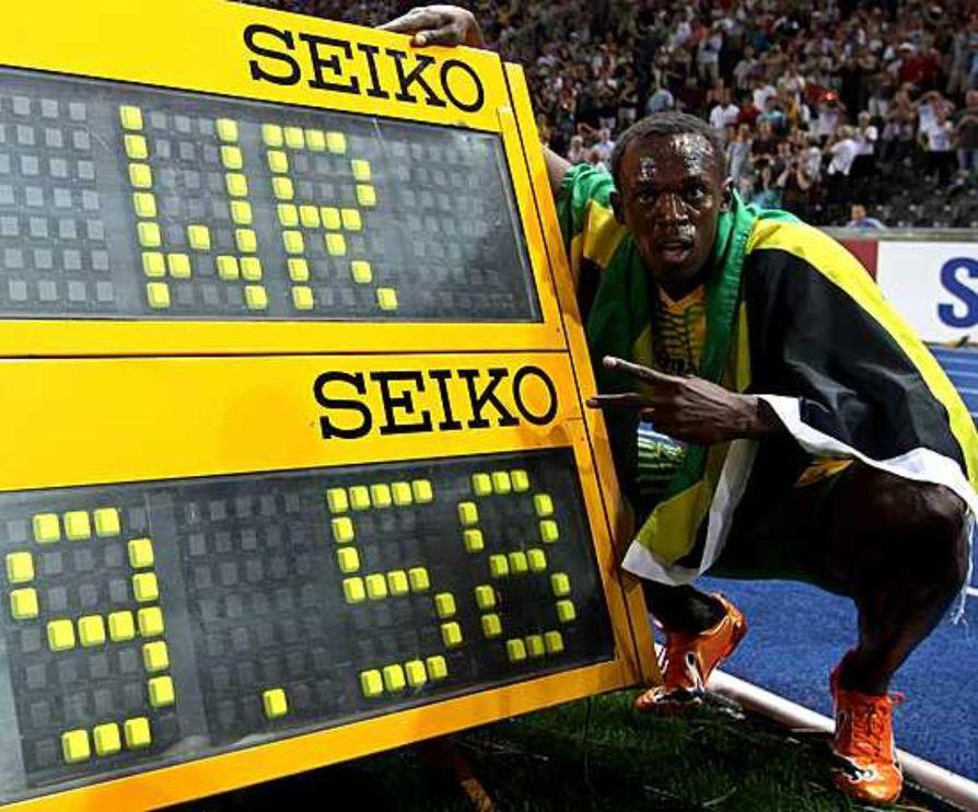Jamaikalaisjuoksija Usain Bolt tarjosi MM-kisayleisölle mestaruuden ja uuden maailmanennätyksen 9,58.