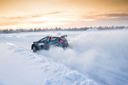 Huippukuljettajia Arctic Lapland Ralliin, muttei yleisöä – myös Kuusamon Urheiluautoilijoilla edustaja
