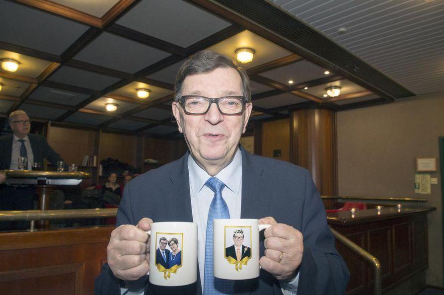 Politiikan konkari Paavo Väyrynen rökitti odotetusti keskustan ehdokkaan Matti Vanhasen.
