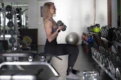 """""""Pää ei olisi kestänyt tätä nuorempana"""" –Lapsena Kaisa Kantola soitti pianoa ja haaveili urheilijan urasta: nyt hän kisaa bikini fitness -kisoissa 37-vuotiaana  ja tähtää mitaliin"""