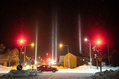 Pakkanen loihti valopilarit pimeälle taivaalle Kuusamossa – Otitko sinäkin kuvia? Lähetä meille!
