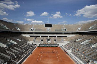 Tenniksen Ranskan avoimet saatetaan pelata ilman yleisöä