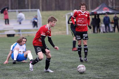 Sarjakärki voitti FC Raahen Kajaanissa