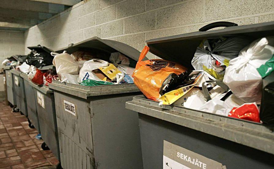 Lajittelemattomat jätteet aiheuttavat valtavat kustannukset vuosittain.