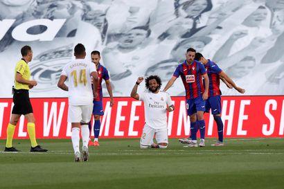 Real Madridin Barcelona-jahti jatkuu – pakkovoitto Eibarista kavensi Espanjan sarjakärjen etumatkan kahteen pisteeseen