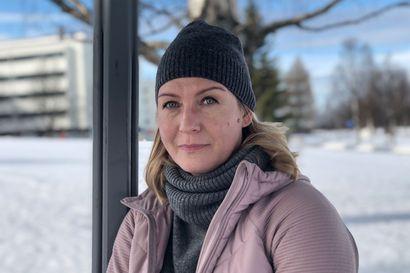 """Luistelijatyttärensä menettänyt rovaniemeläinen Sari Huhtanen saa voimaa luonnosta – """"Taakka on kotiin tullessa aina kevyempi"""""""