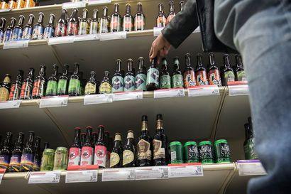 Alkon myynti laski kesäkuussa, lämpimät säät kasvattivat alkoholittomien tuotteiden myyntiä – Pohjois-Pohjanmaalla myytiin kesäkuussa noin 140 000 litraa valkoviiniä