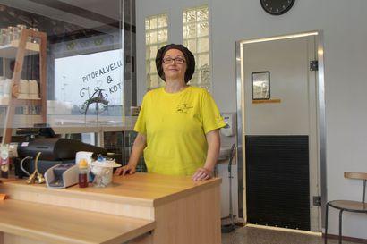 Keminmaalainen Teija Holappa vaihtoi ammattia kypsällä iällä ja perusti oman leipomo-kahvilan