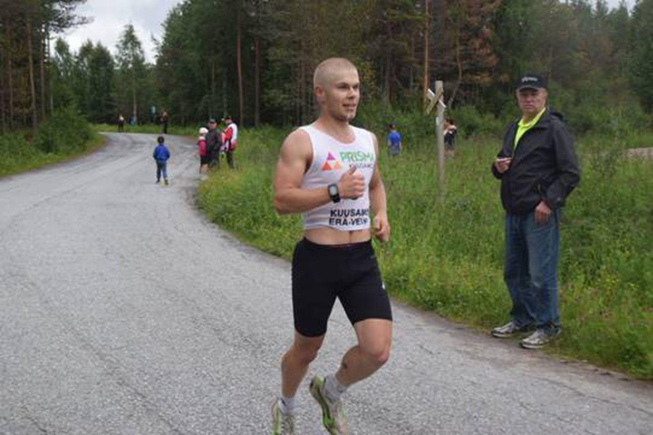 Kuusamon Erä-Veikkojen Niko Husu Käylän kympin voittoon – Juoksukisan osallistujamäärä ilahdutti