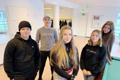 """Korona muutti torniolaisnuorten arkea – """"On opeteltu juomaan Suomen maitoa, kun Ruotsin kauppaan ei ole päästy"""""""