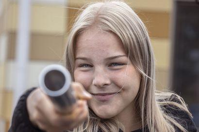 """""""Jos ei kulje, minun ei ole pakko kilpailla ollenkaan"""", Oulun Pyrinnön Laura Loponen, 17, ajatteli kesän alussa – Nyt hän nauttii ennätyksistä ja mestaruuksista"""