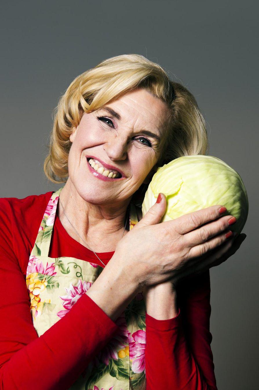 Hapankaali ja suomalainen ruisleipä ovat Eija Vilppaan mielestä hyviä, terveellisiä arkiruokia.