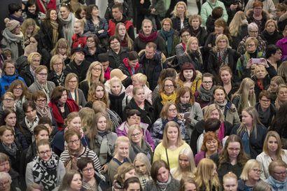 Valkean kesäkadun naisten illassa oli – paljon naisia