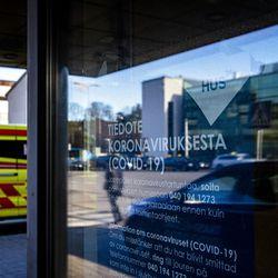 """Lisääntyvä tehohoitotarve voi johtaa koronapotilaiden sairaalasiirtoihin – """"Eivät huviretkiä, mutta osaavissa käsissä turvallisia"""""""