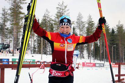 """""""Oli aivan loistava viikonloppu. Kumpikin päivä meni nappiin"""", riemuitsi mestaruutta tuuletellut Riitta-Liisa Roponen"""