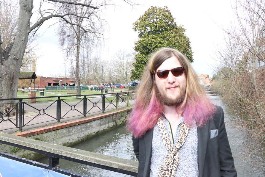 James Seago kertoo, ettei Salisburyn asukkaille ole annettu erityisohjeita myrkytysriskin varalta. Ex-venäläisagentti Sergei Skripal ja tyttärensä Julia löydettiin myrkytysoireisina puistonpenkiltä kaupungissa, joka sijaitsee noin 130 kilometrin päässä Lontoosta.