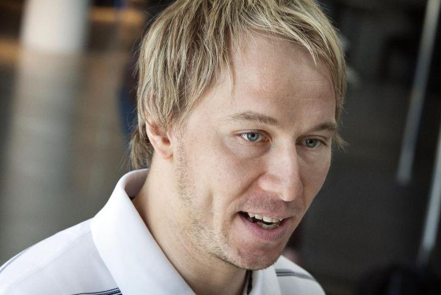 Jussi Jokisella on takanaan uran erikoisin kausi, jonka aikana hän on edustanut neljää eri NHL-seuraa.