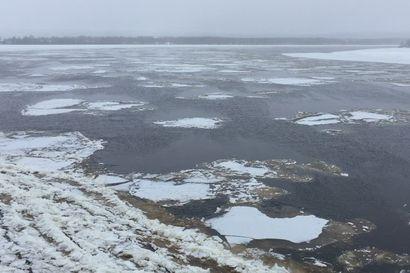 Rovaniemelle on syntynyt jo yli kaksi kilometriä pitkä jääpato