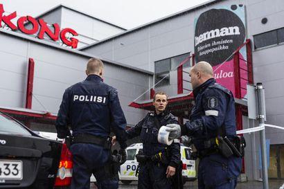 Kuopion kouluhyökkäyksen esitutkinta on valmis ja juttu on siirtynyt syyttäjälle – Mikä sai nuoren miehen hyökkäämään luokkahuoneessa raa'asti sapelilla?