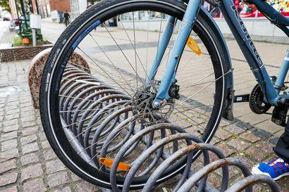 Lapin poliisi neuvoo, kuinka kaikki voivat vaikeuttaa pyörävarkaiden työtä - arvokas pyörä katoaa ulkomaille usein muutamassa päivässä, joten varkauden sattuessa kannattaa toimia nopeasti