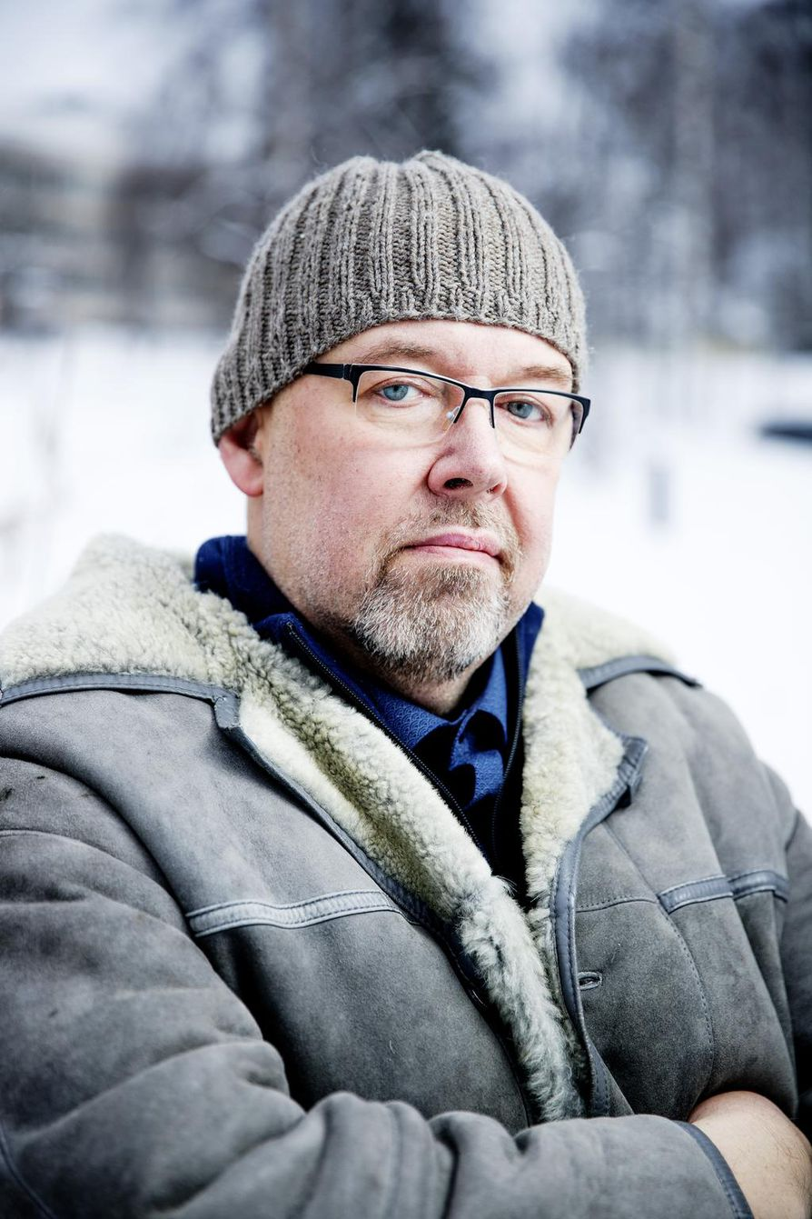 Marcus Rosenlund tunnetaan Yleisradion ruotsinkielisistä tiedeohjelmista. Hänen Kvanthopp-ohjelmansa on Yle Vega -kanavan suosikkeja.
