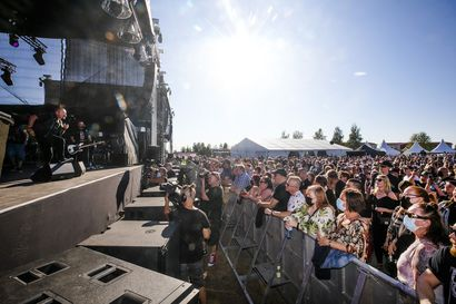 Satama Open Air avattiin helteisessä säässä – festivaalikansaa saapui Kemiin Helsingistä asti