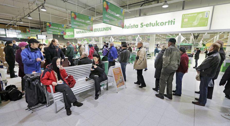 Osuuskauppa Arina oli suurin yhteisöveron maksaja Oulun yrityksistä viime vuonna. Kuva Arinan Limingantullin Prismasta.