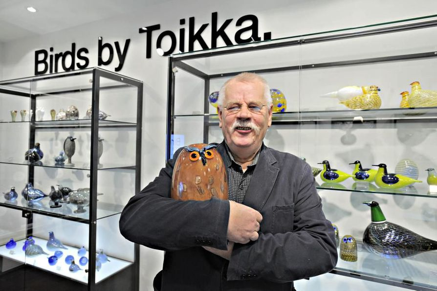 Oiva Toikka tunnettiin eritoten lasisista linnuistaan, joita hän suunnitteli Iittalalle. Arkistokuva vuodelta 2008.