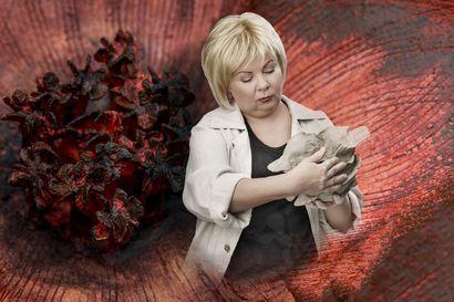 Anu Pentikin elämäntarinaan perustuva draama saa kantaesityksensä Kouvolan Teatterin suurella näyttämöllä marraskuun alussa