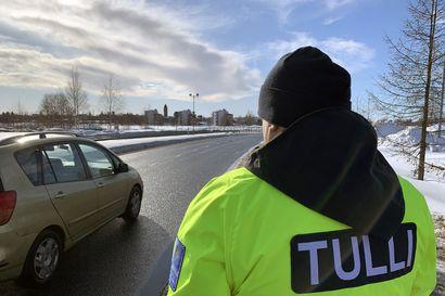 Rajoitettu liikenne Norjan ja Ruotsin rajoilla voimaan torstaiyönä: Tavaraliikenne jatkuu normaalisti