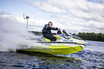 """Poliisi lähti vesille Rovaniemellä ja löysi """"välinpitämätöntä asennetta vesiliikenteeseen liittyviä ohjeita ja määräyksiä kohtaan"""""""