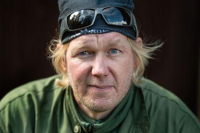 """Mikko Lehtinen kotitarvekalastaa vain sen, mitä tarvitsee ja nauttii uusien kalapaikkojen löytämisestä: """"Jutun suola on mennä uudelle paikalle ja heittää, sieltä voi tulla ihan mitä vain"""""""