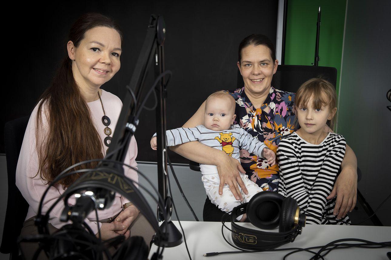 Miten onnistuu paluu perhevapaalta työelämään? Oululainen viiden lapsen äiti Tanja Huttu kertoo, mitä ymmärsi uravalmennuksessa – kuuntele Päin perhettä -podcastin uusi jakso täältä