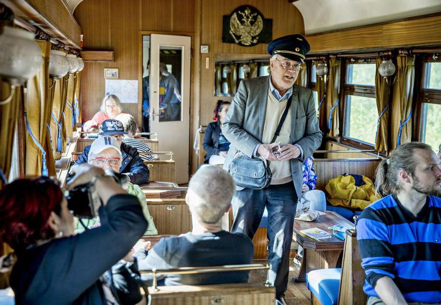 Juhani Haapasalo on ollut Ukko-Pekan konduktöörinä pari vuotta.
